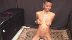 Tattooed caramel cutie Tamatha gets on top of the sybian and cums hard