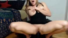 Blonde babe Sophia Knight dildo masturbation